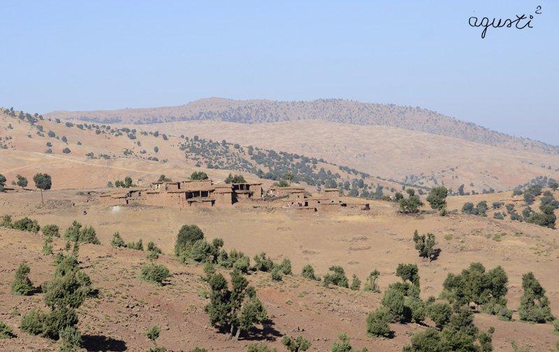 poblacio vista des de la carretera a Sgatt