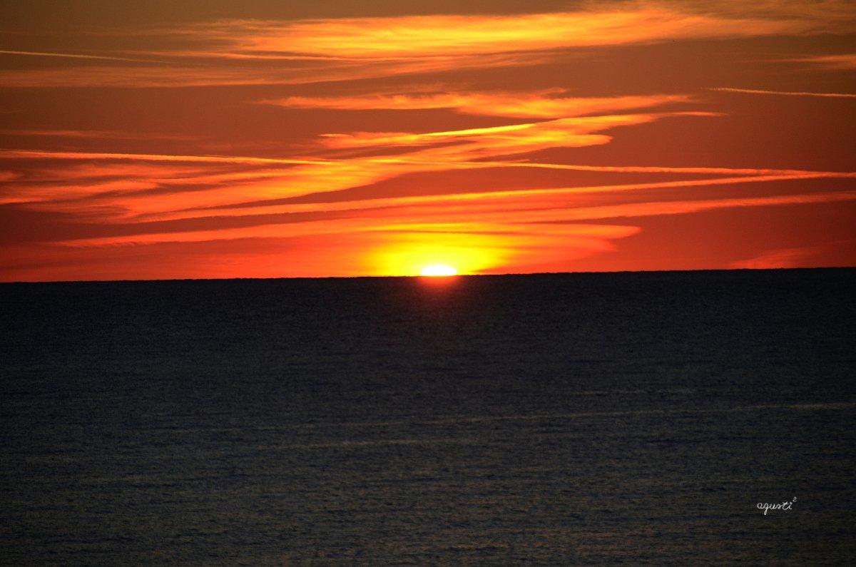 fases de la sortida de sol a cala s'Alguer